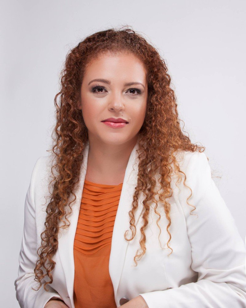 Renata Castro Alves